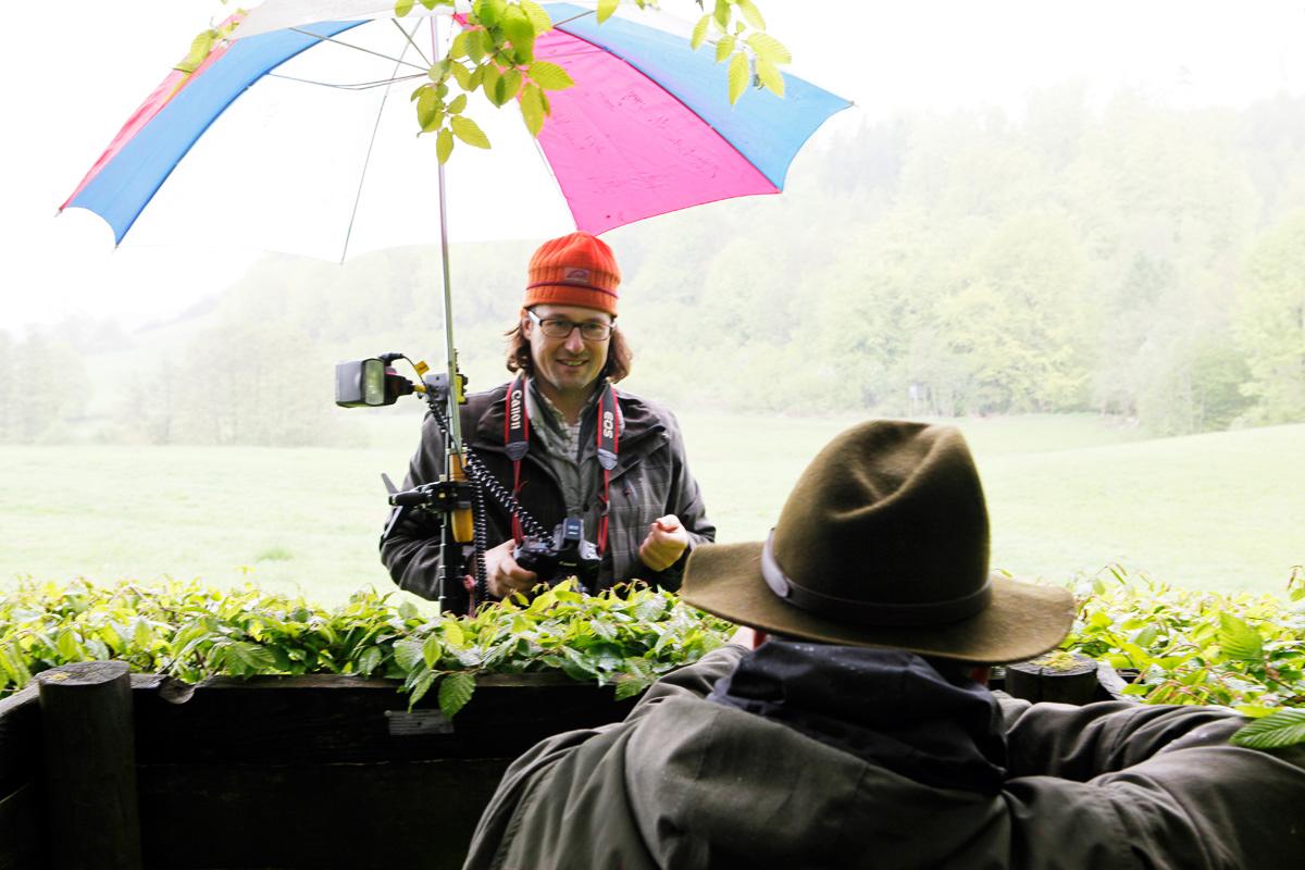 Christoph Siegert beim Shooting von Helmut Trümper in seinem Jagdrevier.