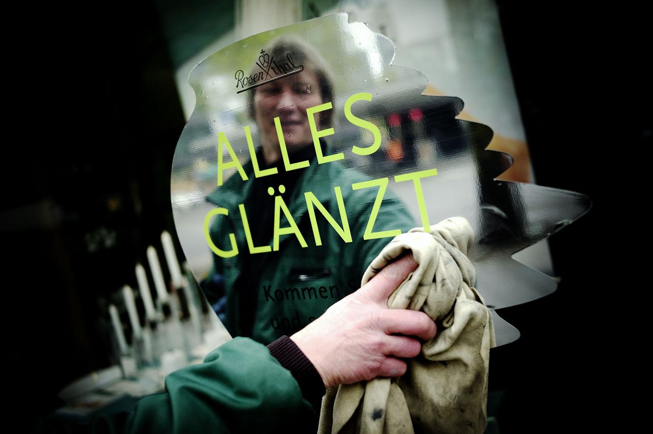 Uwe Heidborn sorgt seit 1979 fur Glanz auf dem Ku'damm in Berlin